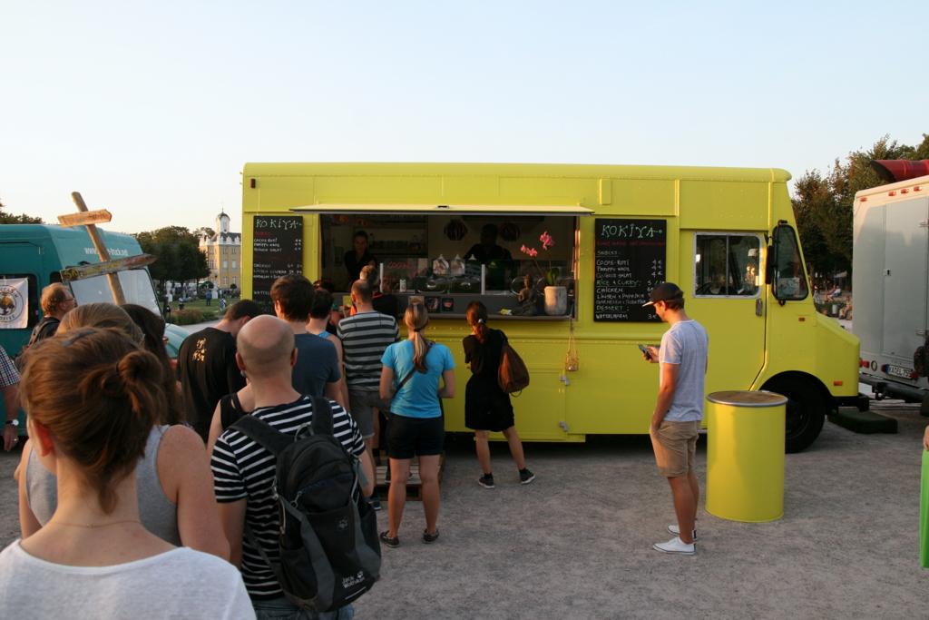 Streetfoodjunkies-Impression-Festival-Karlsruhe-Schlange