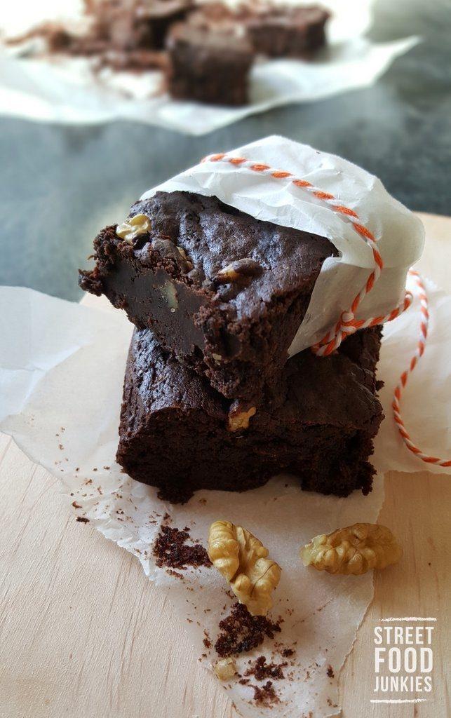 Zwei Stück Brownies